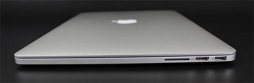 Apple MacBook Pro 2012 right ports